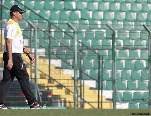 Márcio Goiano treina o Figueirense (Foto: Luiz Henrique, FFC)
