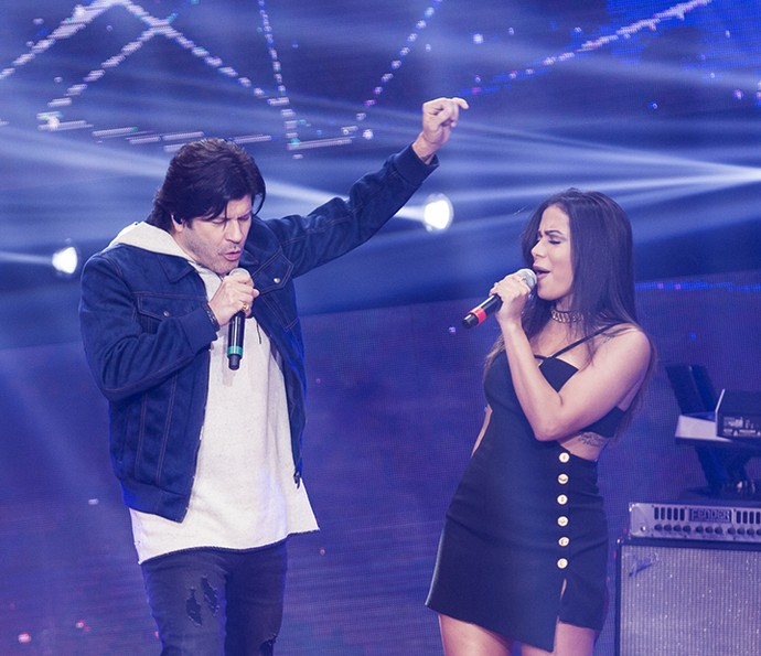 Paulo Ricardo canta com Anitta no 'SuperStar' (Foto: Ellen Soares/Gshow)