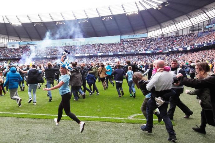 festa torcida manchester city campeão (Foto: AP)
