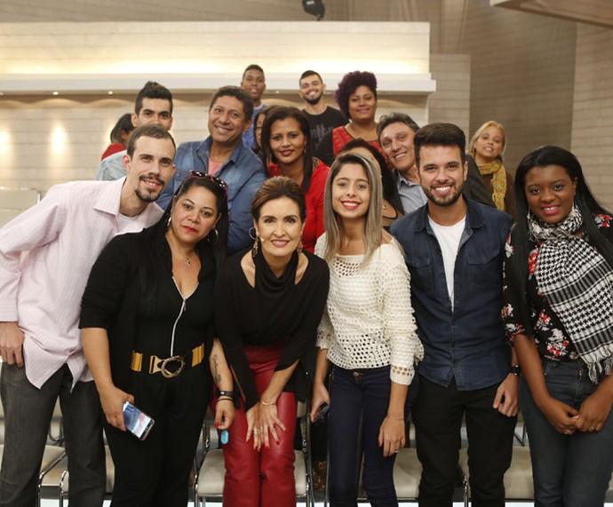 Fátima posa com a plateia do programa  (Foto: Ellen Soares/Gshow)