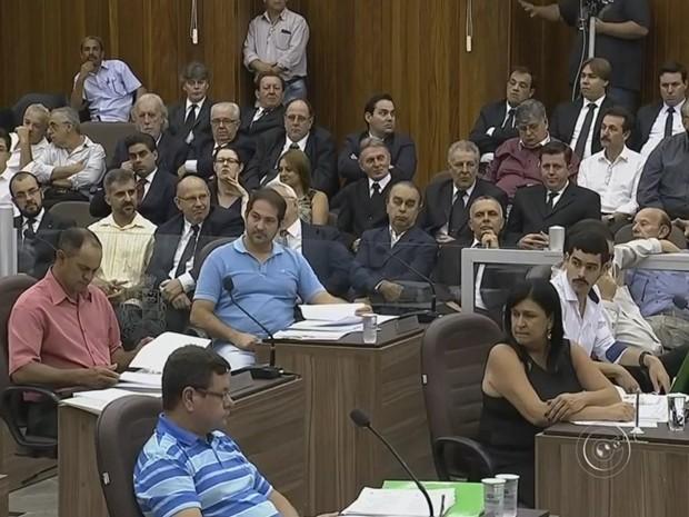 Última sessão do ano teve grande movimentação em Itapetininga (Foto: Reprodução/ TV TEM)