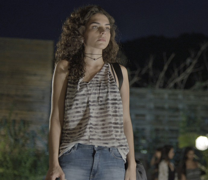 Ciça mudou o status para: BOLADA (Foto: TV Globo)