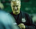 Dorival elogia atuação do Santos e vê expulsão como determinante