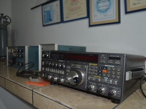 Radioamadores colecionam equipamentos transreceptores (Foto: Emily Costa/G1)