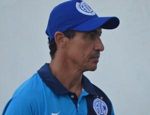 Betinho, técnico do Confiança (Foto: Felipe Martins)
