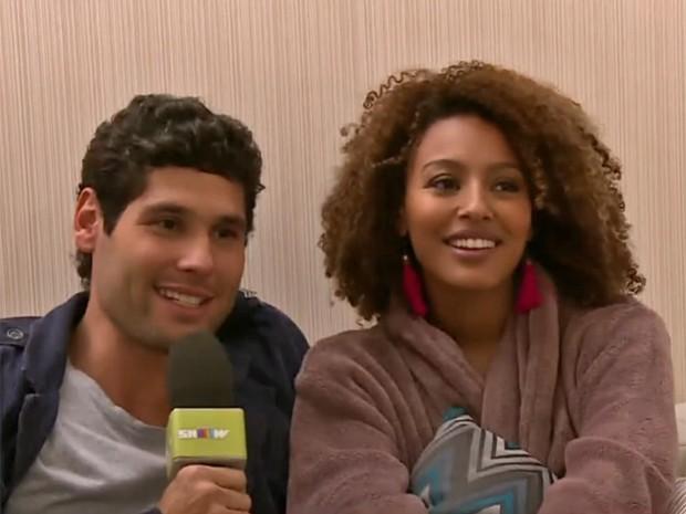 Dudu Azevedo entrevista Sheron Menezzes (Foto: Vídeo Show / TV Globo)