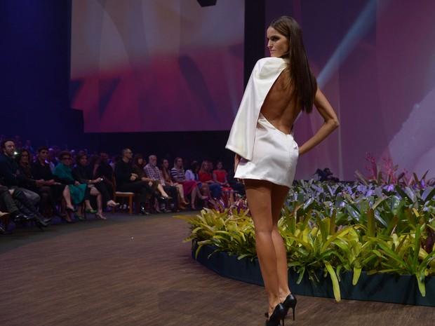 Izabel Goulart desfila em evento de moda em Belo Horizonte, Mina Gerais (Foto: Francisco Cepeda/ Ag. News)