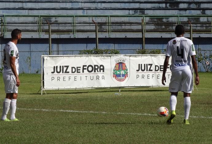Tupi-MG Bonsucesso amistoso Juiz de Fora (Foto: Mariane Sequeto)