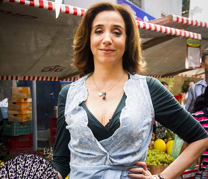 Francesca é a matriarca da Família Rigoni Di Marino, tem sangue italiano e batalha na feira para dar o melhor aos filhos (Foto: João Miguel Jr/Globo)