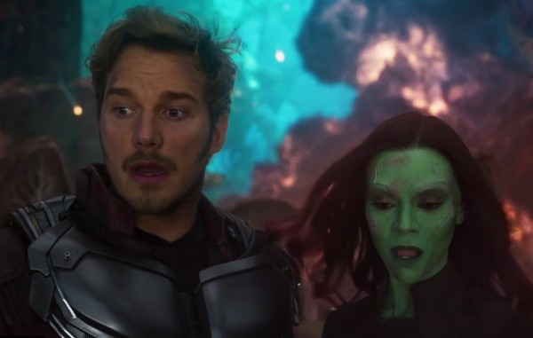Chris Pratt e Zoe Saldana em cena de 'Guardiões da Galáxia Vol. 2' (Foto: Reprodução)