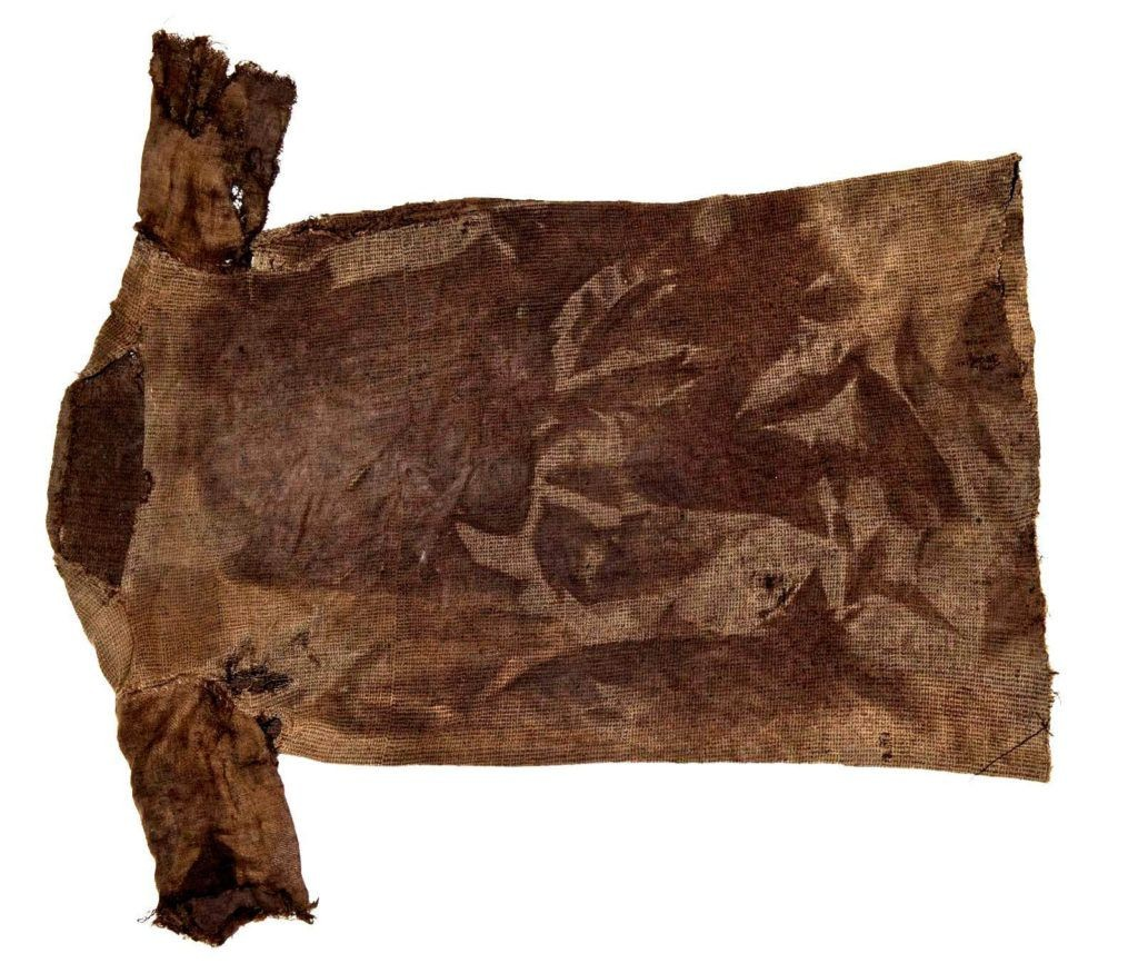 Túnica da Idade do Ferro, ano 300. (Foto: Marten Teigen, Museum of Cultural History)