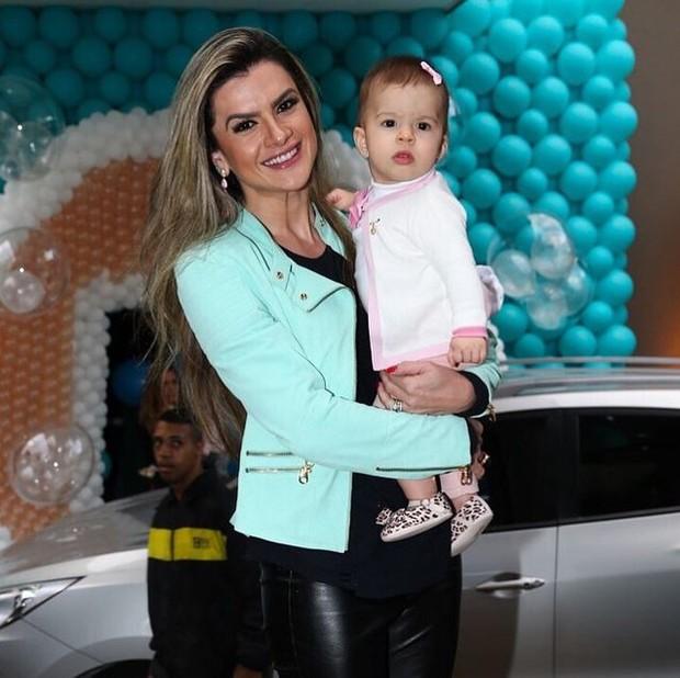 Mirella Santos com a filha (Foto: Instagram / Reprodução)