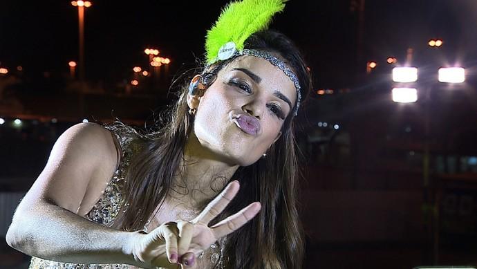 Mari Antunes, vocalista da banda Babado Novo (Foto: TV Sergipe)