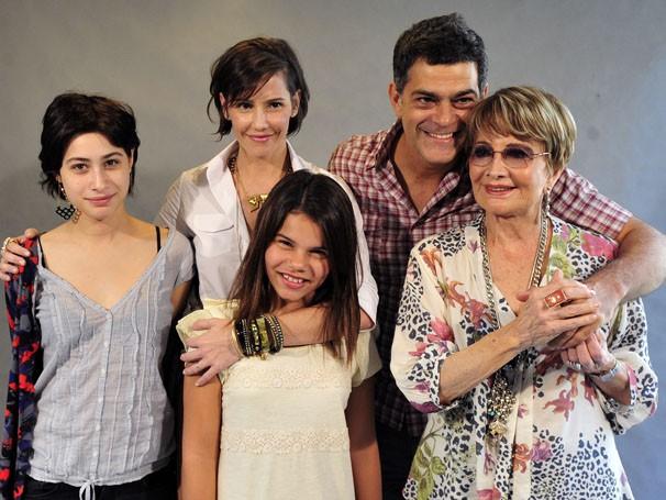 Elenco está de volta para a segunda temporada de Louco Por Elas (Foto: Rede Globo/Alex Carvalho )
