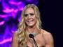 Holm revela que foi ao Oscar do MMA com vestido e colar emprestados