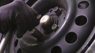 Veja como evitar quebrar a cabeça do parafuso da chave de roda