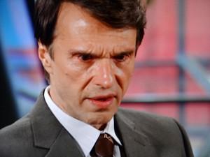 Dino chora por Roberta (Foto: Guerra dos Sexos/TV Globo)