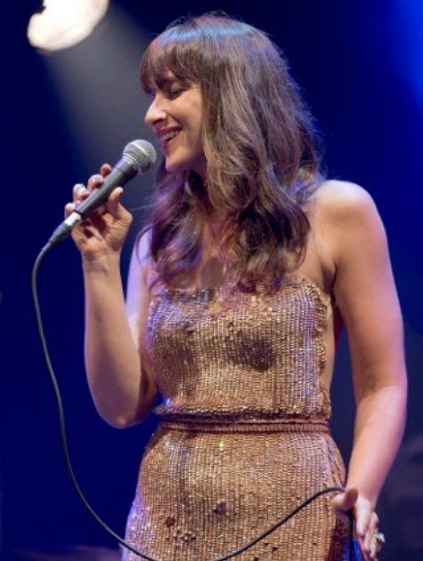 Sabrina Parlatore durante show no Tom Jazz, em São Paulo (Foto: Náira Messa)