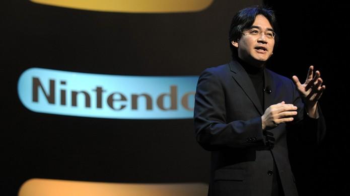Em 2002 Satoru Iwata se tornou Presidente da Nintendo no lugar de Hiroshi Yamauchi (Foto: Reprodução/My Nintendo News)