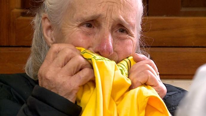 Dona Ivone Bachi se emociona com Tite na Seleção (Foto: Reprodução / RBS TV)