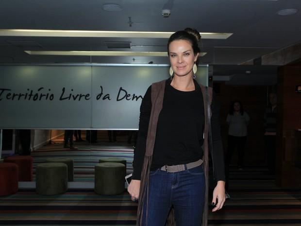 Letícia Birkheuer em estreia de peça na Zona Sul do Rio (Foto: Marcello Sá Barretto/ Ag. News)