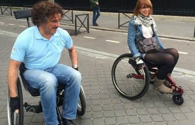 O ex-ministro dos Transportes Thierry Mariani passou-se por um cadeirante  (Foto: Divulgação)