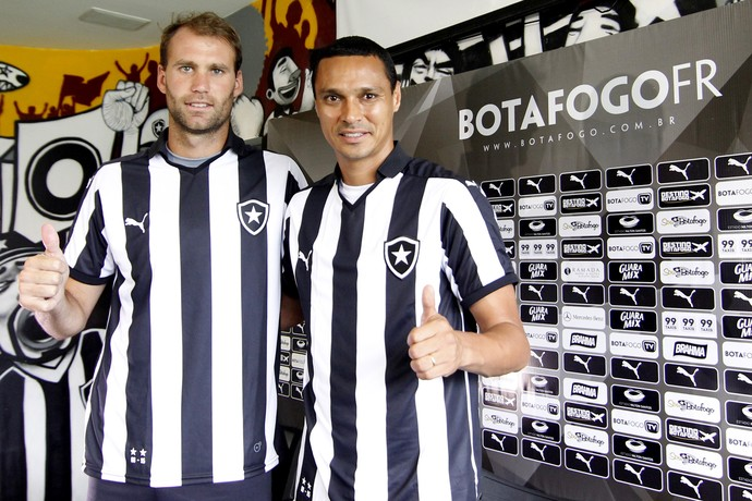 Joel Carli e Emerson Botafogo (Foto: Vitor Silva / SSPress / Botafogo)