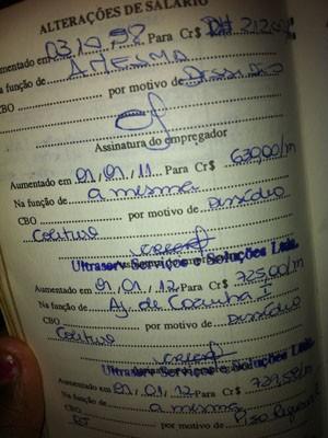 Cláudio não foi demitido por justa causa; em sua carteira de trabalho consta dissídio coletivo (Foto: Isabela Marinho / G1)