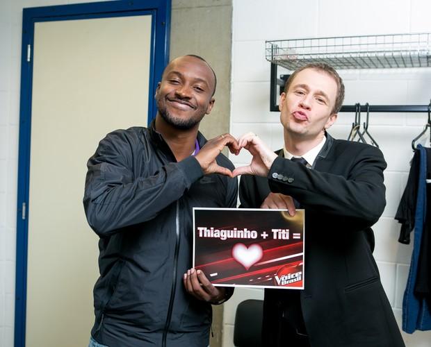 Thiaguinho e Tiago Leifert - The Voice Web (Foto: Isabella Pinheiro/Gshow)