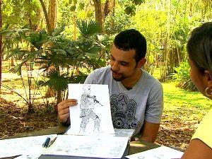 Artista faz histórias em quadrinho (Foto: Amazônia Revista Acre)