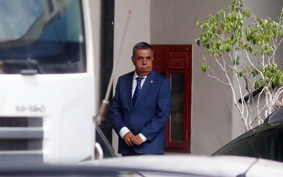 Jorge Picciani, presidente da Alerj, chega na Polícia Federal em condução coercitiva (Foto: Fabiano Rocha / Agência O Globo)