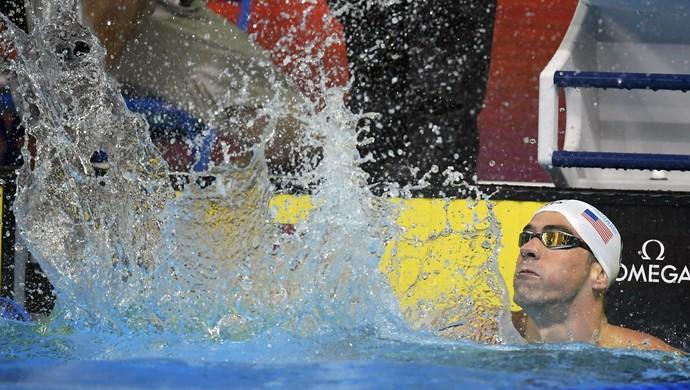 Michael Phelps após vencer os 100m borboleta e conquistar a terceira vaga na Rio 2016 (Foto: Mark J. Terrill / AP)