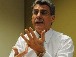 O relator da regulamentação para domésticas, senador Romero Jucá (PMDB-RR) (Foto: José Cruz/ABr)