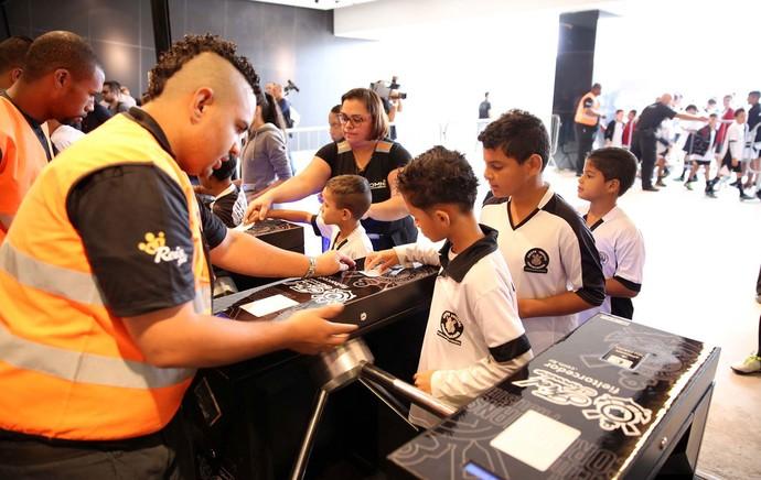 TESTE FIFA NA ARENA CORINTHIANS (Foto: Marcos Ribolli / Globoesporte.com)