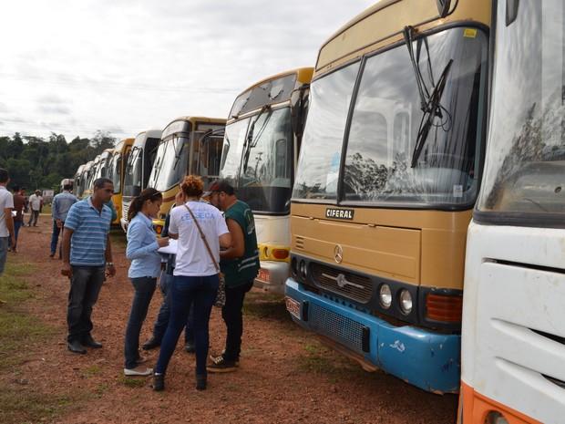 ônibus escolar ro (Foto: Rogério Aderbal/G1)