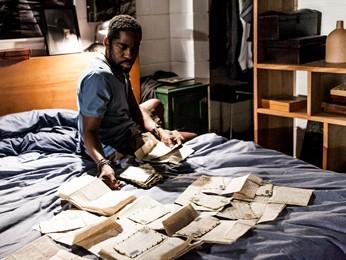 O Vendedor de Passados, do diretor Lula Buarque de Hollanda, também está no Cine PE (Foto: Divulgação)