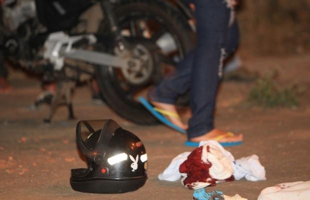 Motociclista morre ao ser atingido por linha de pipa com cerol em Goiânia, Goiás (Foto: Mantovani Fernandes/ O Popular)