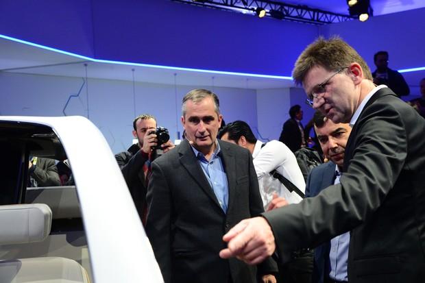 CEO da Intel, Brian Krzanich com o CEO da Mobileye, Amnon Shashua (Foto: Divulgação)