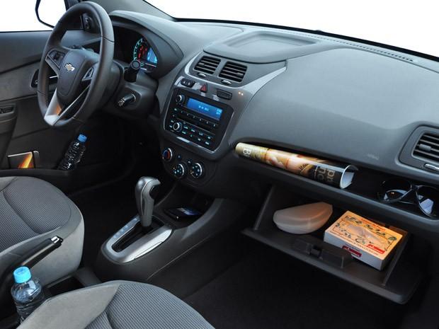 Chevrolet Cobalt 1.8 LTZ tem acabamento superior ao do LT, mas nada que surpreenda (Foto: Divulgação)