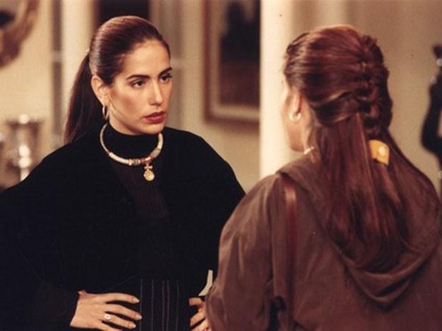 Raquel e Ruth (Glória Pires) em cena da novela