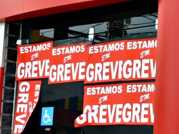 Bancários aderem à greve em MS (Foto: Tatiane Queiroz/ G1MS)