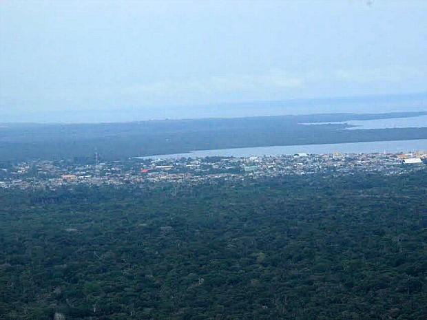 Vista aérea de Coari, no Amazonas (Foto: Adneison Severiano/G1 AM)