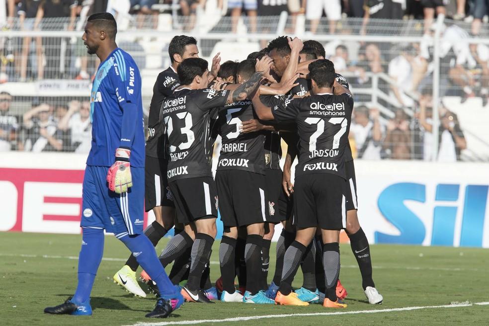 2d3bebfa50 Corinthians estreou o uniforme número 2 na vitória por 3x0 sobre ponte