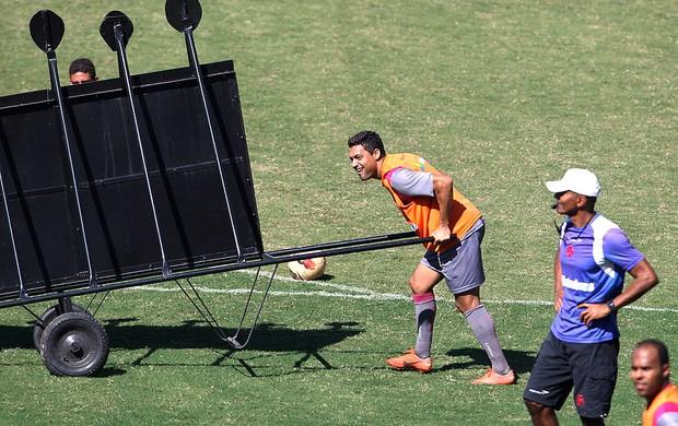Eder Luis no treino do Vasc (Foto: Jorge William / Ag. O Globo)