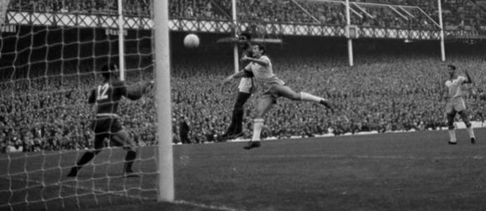 Eusébio brasil x portugal 1966 (Foto: Getty Images)