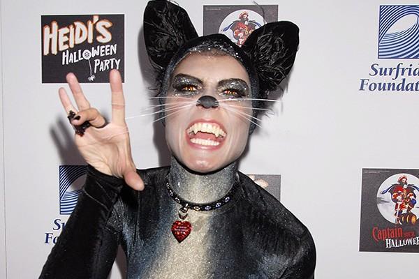 Com perdão do trocadilho, Heidi Klum ficou uma gata com essa fantasia, não? Miau! (Foto: Getty Images)