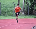 Bruno Lins melhora tempo e vê Mundial de Revezamento mais perto