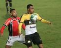Expulso diante do Tigre, Bruno Aguiar desfalca o JEC contra Bahia, na quarta