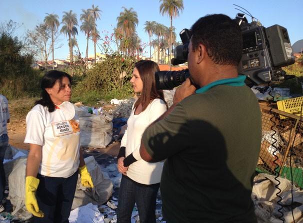 Lizandra Trindade entrevista Maria Aparecida, integrante do Projeto Rondon (Foto: Divulgação)