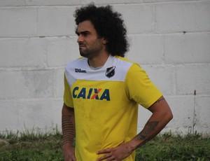Neto Coruja, volante do ABC (Foto: Diego Simonetti/Blog do Major)